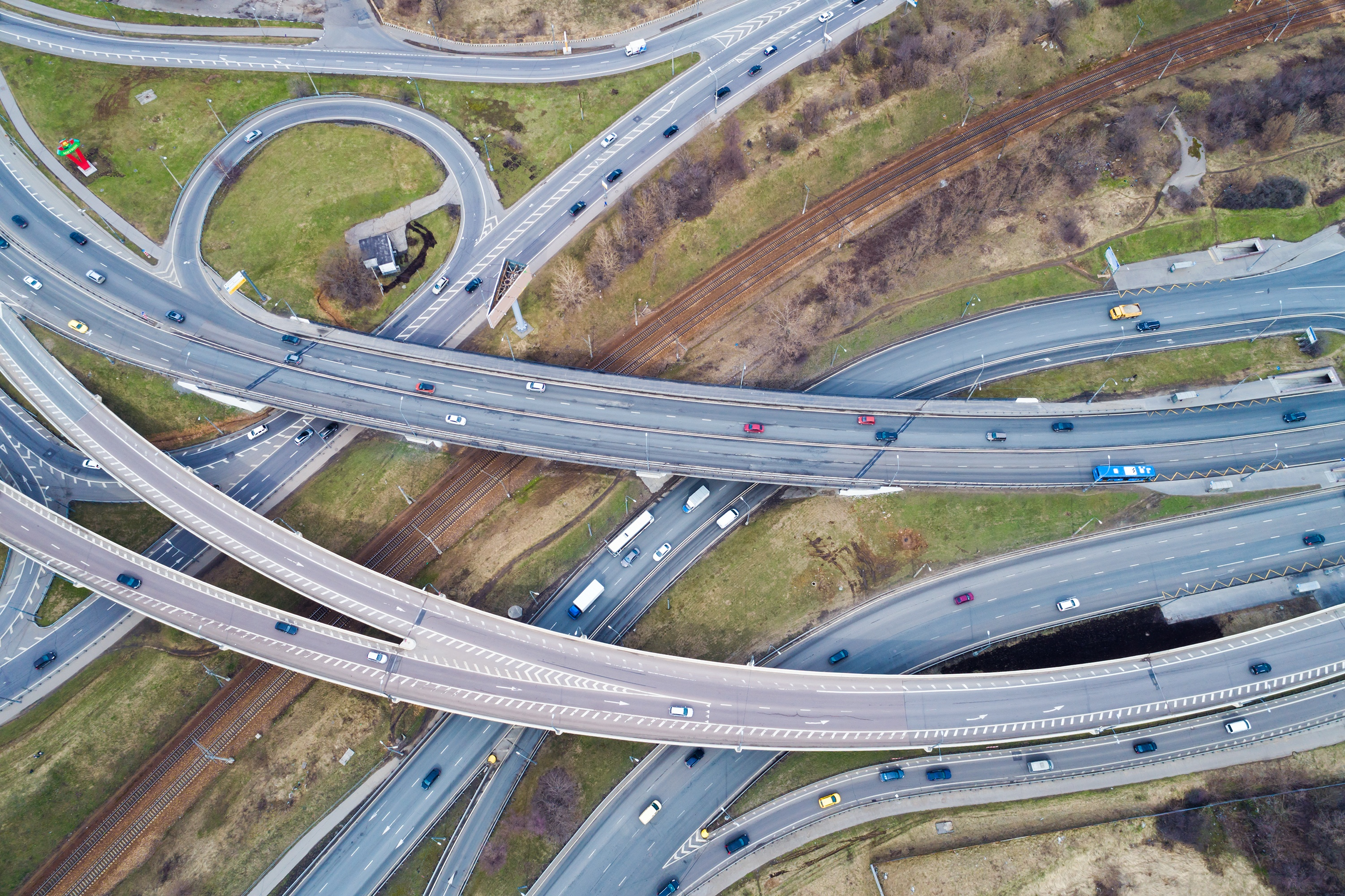 aerial-view-of-a-freeway-intersection-PRV6BWY